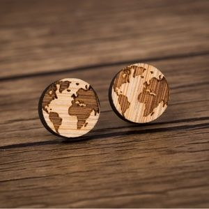 "Urban Outfitters Vintage ""World Traveler"" Earrings"